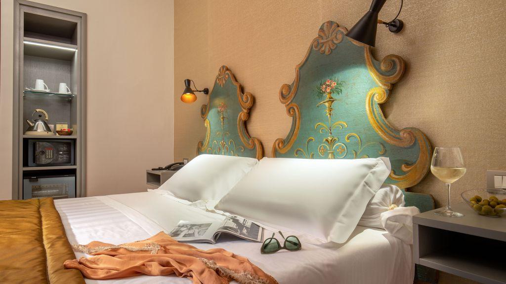 Hotel-Mozart-Roma-Via-del-Corso---0608