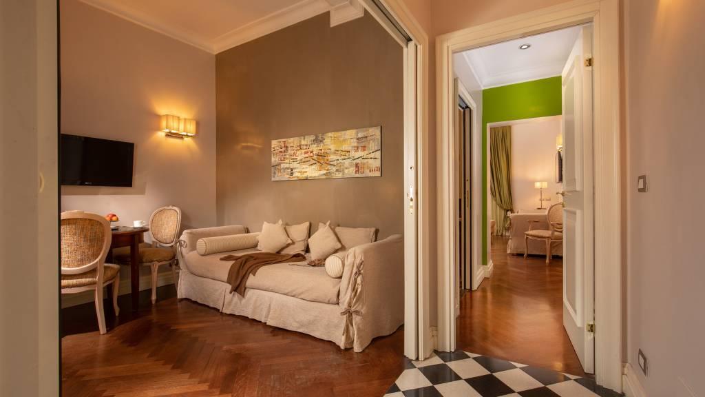 IMG-0911--Hotel-Mozart-Vivaldi-Suite-Vittoria-Suite-Roma