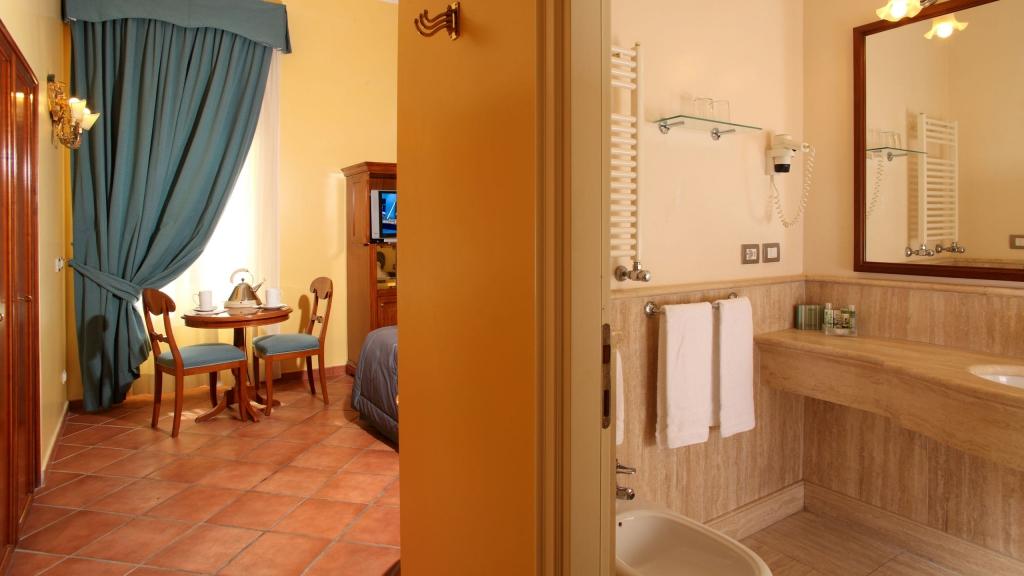 Hotel-Mozart-Roma-cuarto-de-baño-habitacion-2