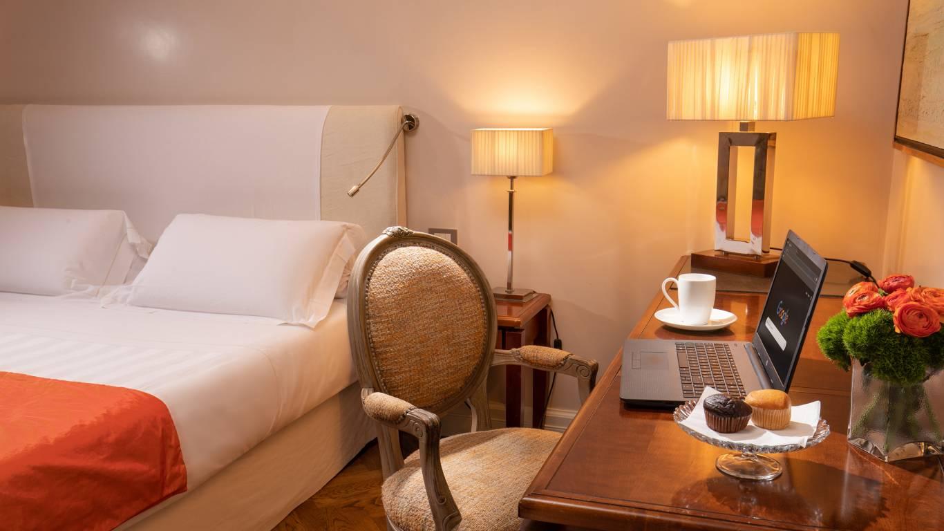Hotel-Vivaldi-Rome-Vittoria-Suite-chambre-9-1158