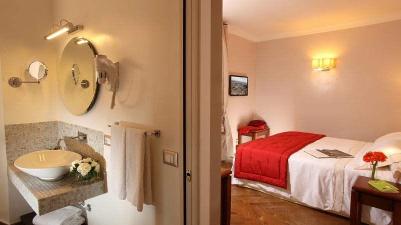 Vivaldi-Luxury-Rooms-Roma-habitacion-elegance-9