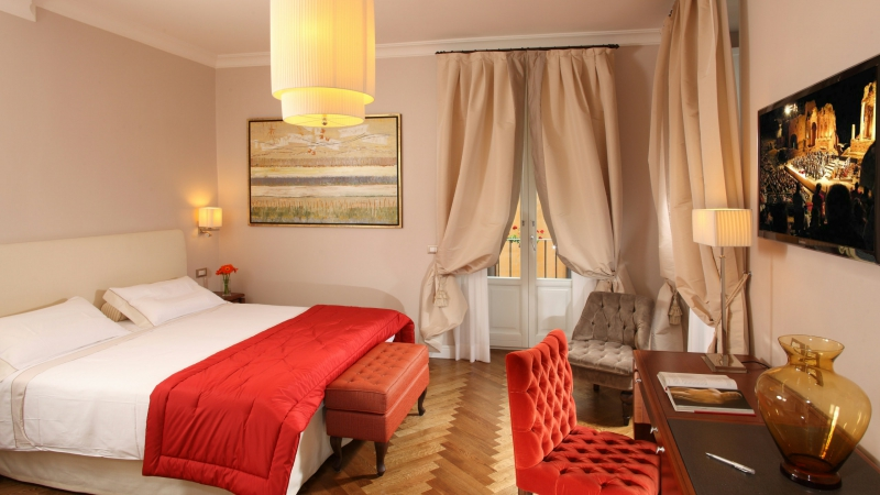 Vivaldi-Luxury-Rooms-Roma-camera-elegance-12