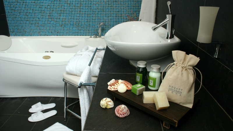 Vivaldi-Luxury-Rooms-Rome-bathroom-Prestige