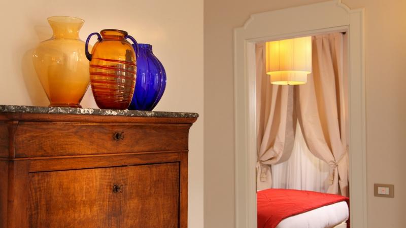 Vivaldi-Luxury-Rooms-Roma-chambre-elegance-14-a
