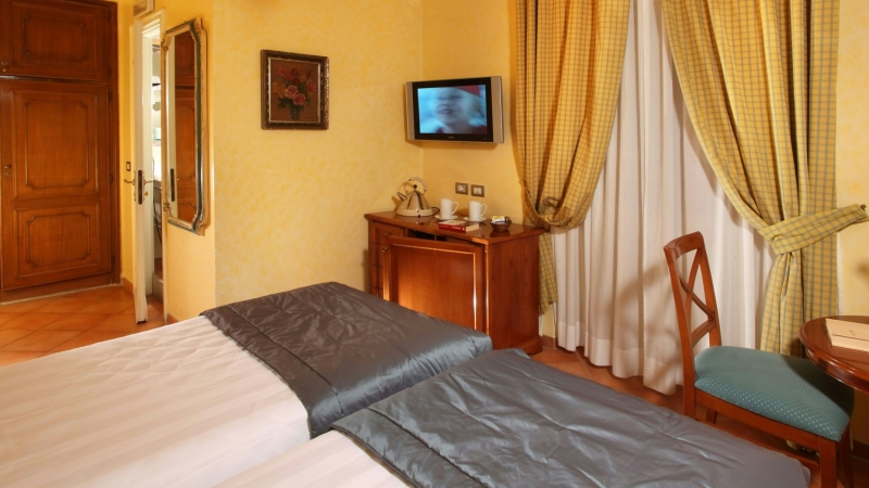 Hotel-Mozart-Roma-habitacion-standard-7