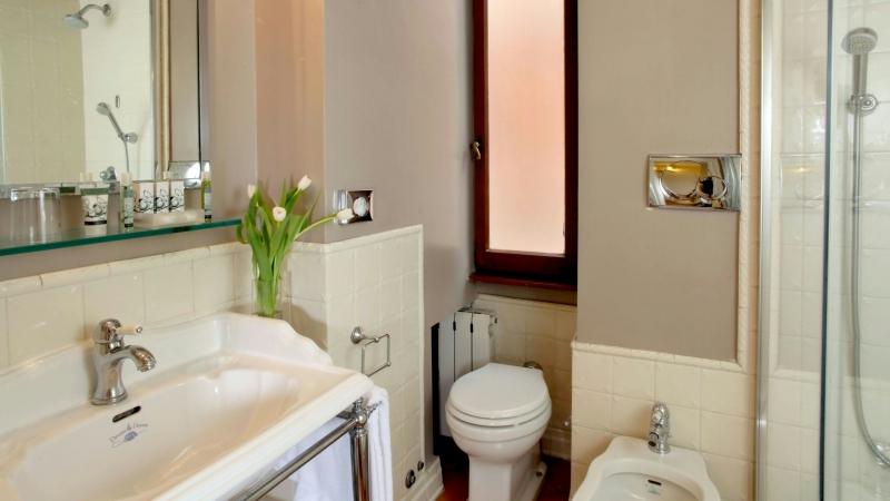Hotel-Mozart-Roma-cuarto-de-baño